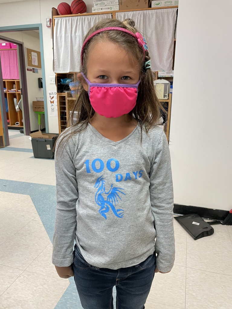 Student wearing 100 days shirt