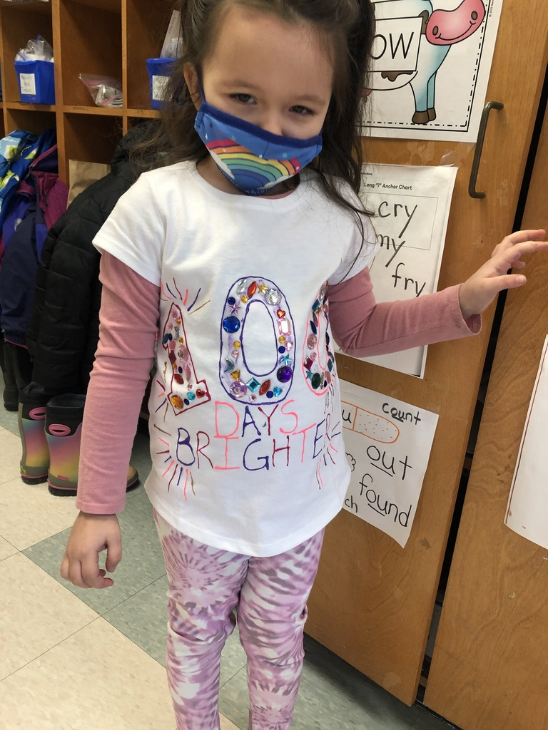 Student wearing 100 days brighter shirt