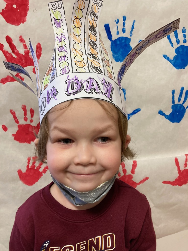 Student wearing 100 days crown