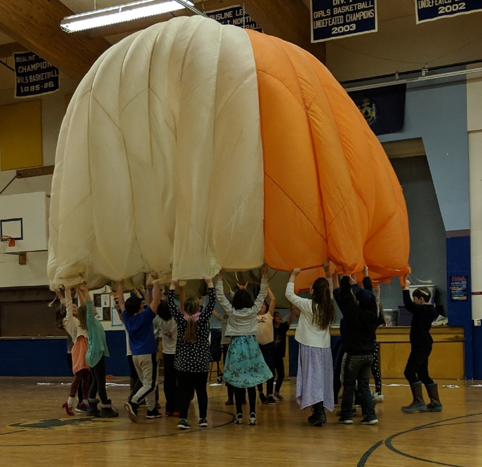 Parachute moving with the music!